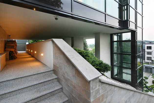 glass-elevator-multiple-levels-slope-house-27-outdoor-stairs.jpg