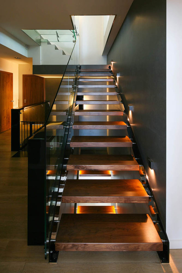 glass-elevator-multiple-levels-slope-house-28-stairs.jpg