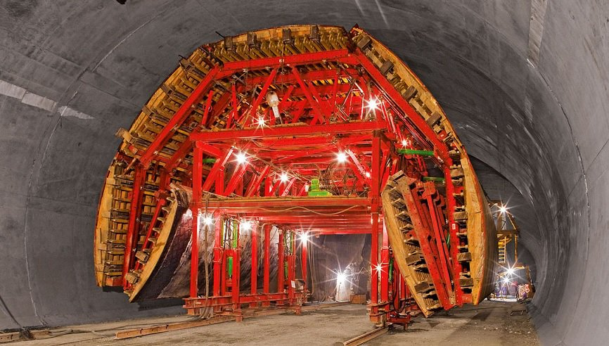 Tunnel Formwork Removal - Anti infiltration concrete tunnel formwork system